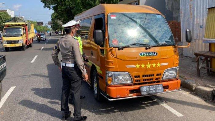 Travel Gelap Diperiksa di Perbatasan Ponorogo, Bawa 10 Penumpang dari Wonogiri ke Kota Surabaya