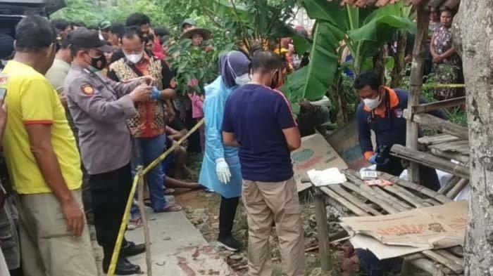 Diduga Sakit Hati, Pria di Tuban Gelap Mata Tiba-tiba Bacok Tetangga Sendiri hingga Tewas