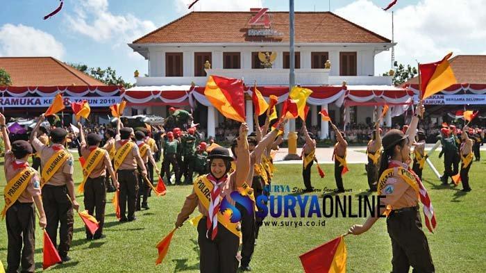 Galeri Foto Giat Upacara Hari Pramuka ke-58 di Gedung Grahadi Surabaya