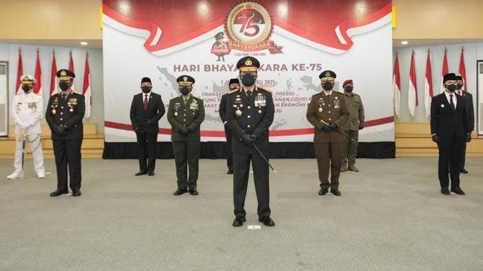 HUT Bhayangkara ke-75, Wagub Emil Apresiasi Sinergitas Polri-TNI Tangani Pandemi Covid-19 di Jatim