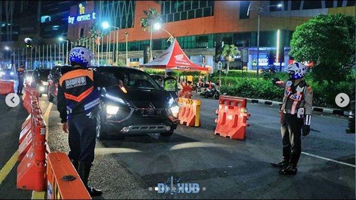 Update PSBB Surabaya Sidoarjo dan Gresik: Suasana Check Point Cito dan Tenant Mal BG Junction Tutup