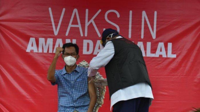 Vaksinasi Covid-19 di Kota Surabaya Dimulai, Forpimda Beri Contoh Vaksin Aman dan Halal