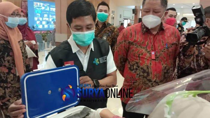 Dihadiri Wamenkes RI, Pemkot Gelar Vaksinasi Covid-19 Tenaga Kesehatan Surabaya Secara Massal