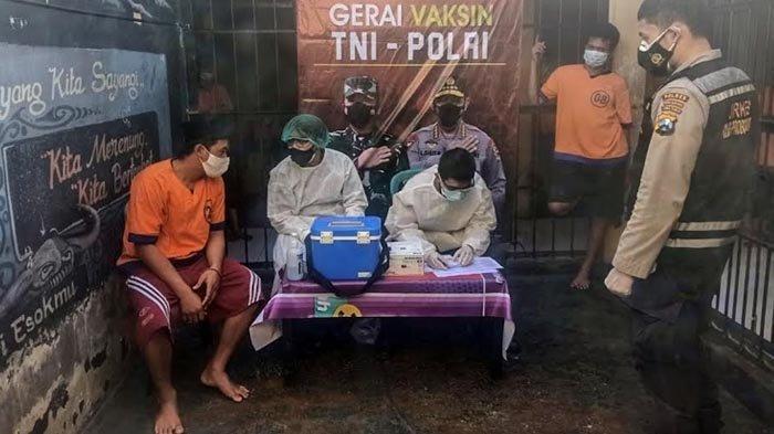 Upaya Percepatan Vaksinasi Covid-19, Belasan Tahanan Polresta Probolinggo Disuntik Vaksin