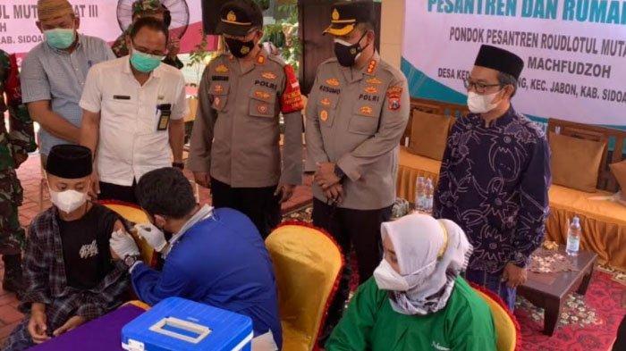 Vaksinasi di Pesantren dan Rumah Ibadah di Kabupaten Sidoarjo Terus Digenjot