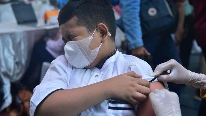Anak-anak Surabaya Semangat Ikuti Vaksinasi Covid-19: Pengin Belajar di Kelas Lagi