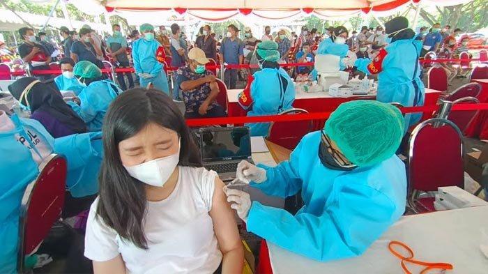 Polda Jatim Gelar Vaksin Ribuan Pekerja Industri di Surabaya, Wali Kota Eri Berterima Kasih