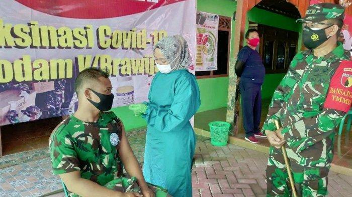 Prajurit TNI Divaksin Saat TMMD, Dandim 0813 Bojonegoro Berharap Makin Kuat Lawan Covid-19