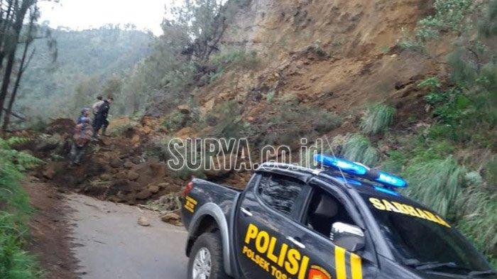 Tertutup Tanah Longsor, Jalur Menuju Gunung Bromo Via Tosari Pasuruan Sementara Tak Bisa Dilewati