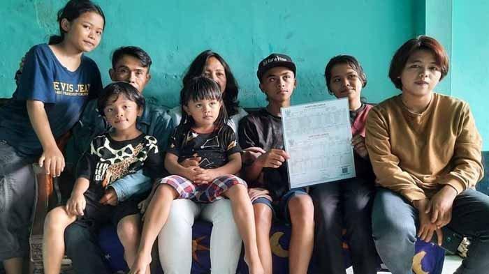Viral TikTok Pasutri di Malang Punya 16 Anak Perempuan, Penasaran Ingin Punya Anak Laki-laki