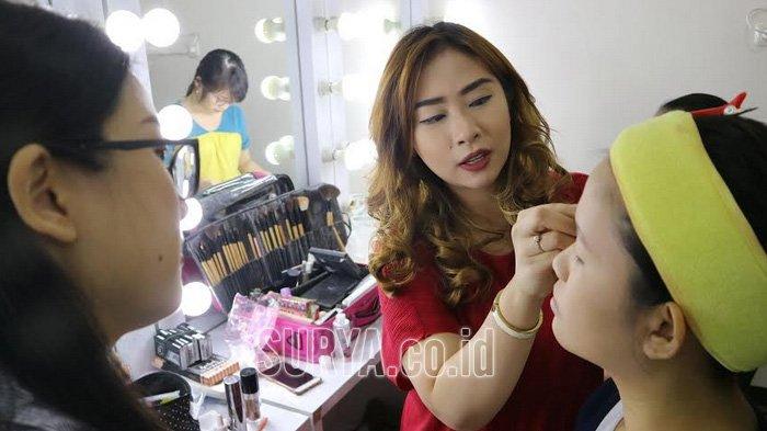Peminat Sekolah Make Up Membludak, di Surabaya Siswa Banyak yang Berasal dari Luar Jawa