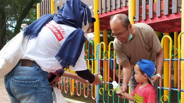 Volunteer Kejar Mimpi Malang Berbagi Sarapan kepada Masyarakat