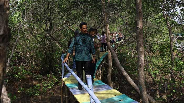 Wabup Qosim Dukung Pengembangan Kawasan Ecowisata Mangrove di Bawean Gresik