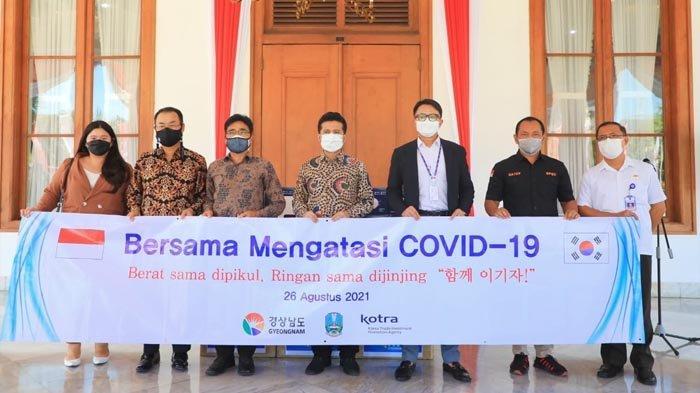 Terima 26.000 Masker dari Gyeongnam, Wagub Emil Yakin Hubungan Persahabatan dengan Jatim Makin Erat
