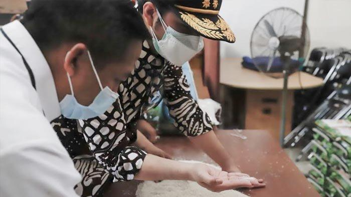 Beras Bansos Tak Layak Juga Ditemukan di Kediri, Pemprov Jatim Minta Segera Ada Pengganti