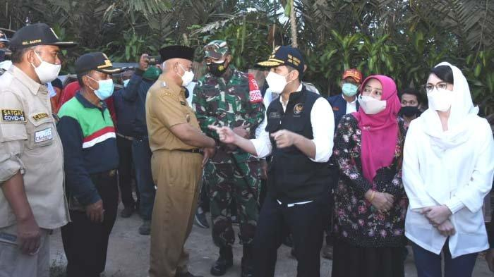 Buka Puasa Bersama Warga Korban Gempa di Kab Malang, Wagub Emil Yakinkan Warga Terdampak Tak Sendiri