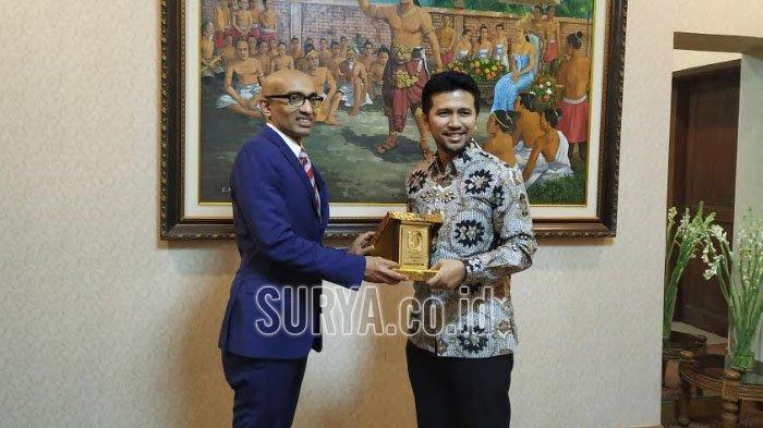 Terima Dubes Singapura untuk Indonesia, Ini yang Dibahas Bareng Wagub Jatim Emil Dardak