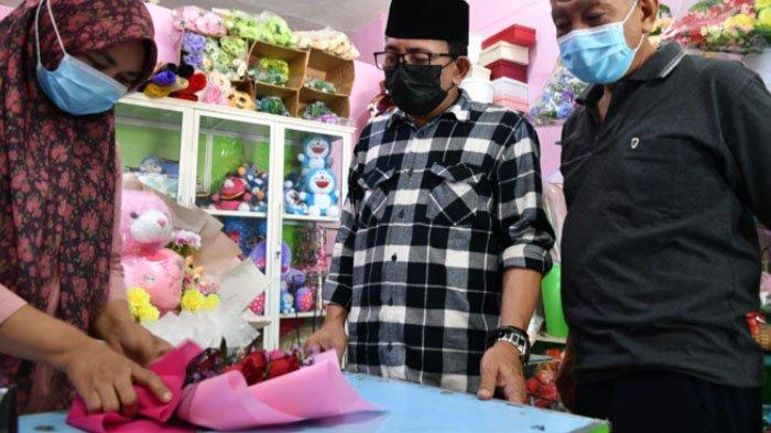 DPRD Support Ekonomi Warga dari Hantaman Pandemi,AH Thony: Jangan Biarkan Pedagang Jalan Sendiri