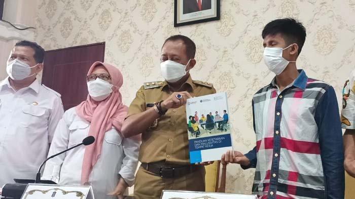 USAID Apresiasi Wawali Cak Ji yang Rekrut Penyandang Disabilitas Jadi Pegawai Pemkot Surabaya