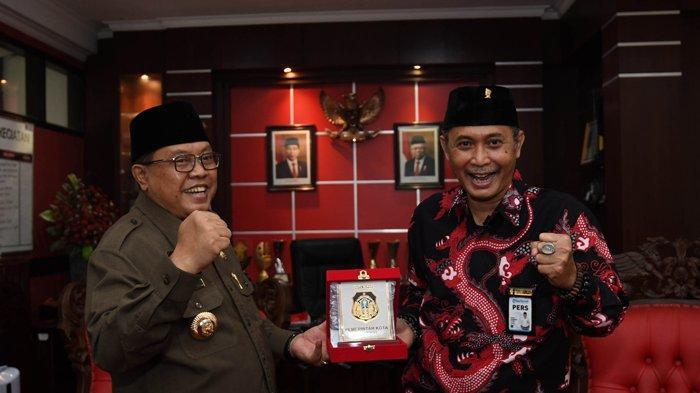Wali Kota Blitar Santoso Bagi-bagi Rp 50 Juta - Rp 100 Juta untuk Setiap RT, Tepati Janji Kampanye