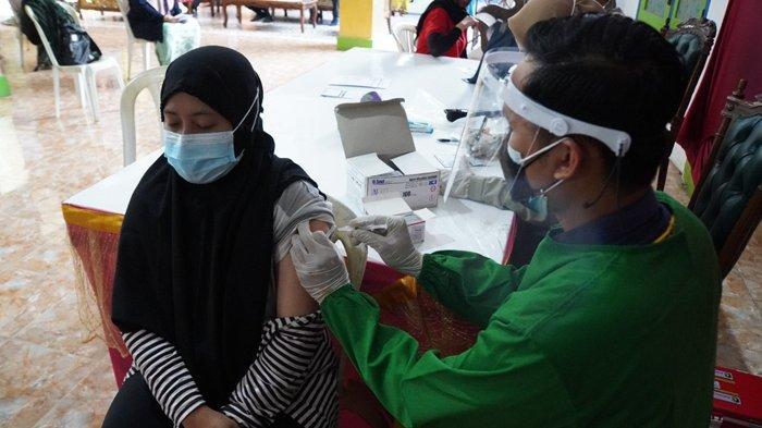 Hampir Separuh Warga Gresik Sudah Terima Vaksin Covid -19, tapi Warga Wajib Disiplin Prokes