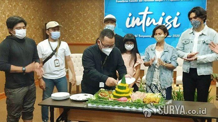 Bikin Webseries, KKP dan Pegadaian Ajak Wanda Hamidah dan Teuku Rifnu Wikana Syuting di Banyuwangi