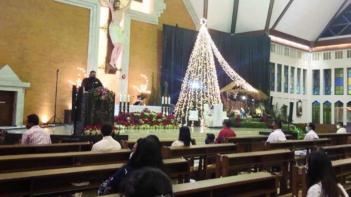 Plt Wali Kota Suarabaya Pantau Pelaksanaan Misa Natal di Sejumlah Gereja di Surabaya