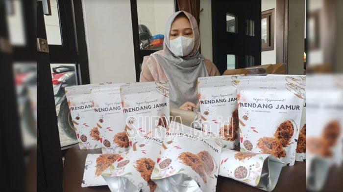 Cerita Ibu Asal Kediri Sukses Berbisnis Rendang Jamur, Omzet Tembus Belasan Juta Rupiah
