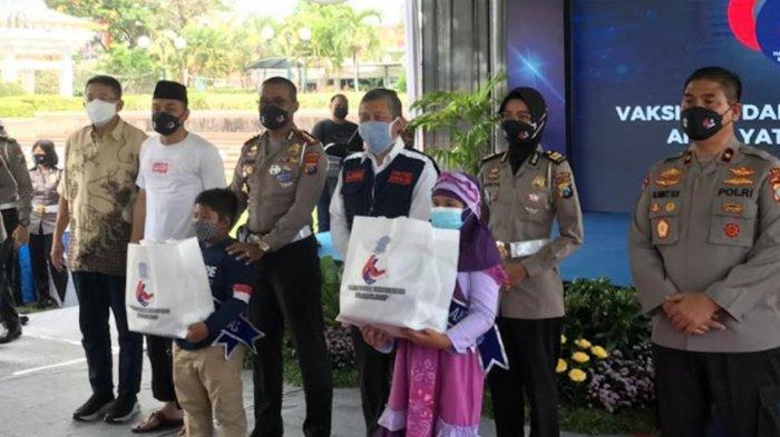 Yayasan Wings Peduli dan Dirlantas Polda Jatim Santuni Anak Yatim Terdampak Covid-19
