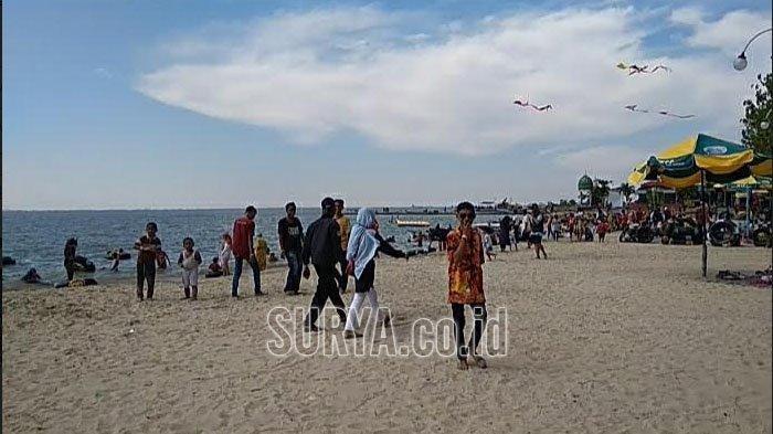 Wisata Pasir Putih Pantai Dalegan Gresik Buka Kembali, Makin Bersih di Tengah Pandemi Covid-19