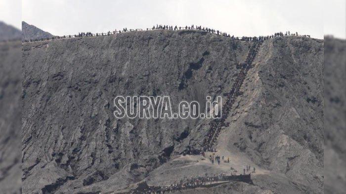 Kuota Wisatawan ke Gunung Bromo dan Pendakian Gunung Semeru Full saat Libur Panjang