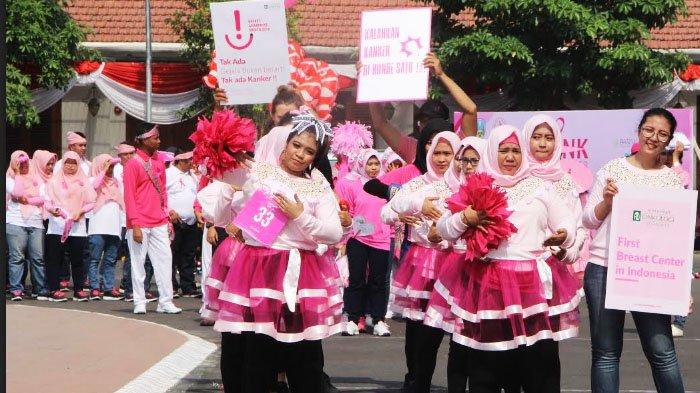 Pink Parade Bukti Konkret Breast Cancer Awareness Month - yayasan-kanker-indonesia-yki-wilayah-jawa-timur_20181022_183048.jpg