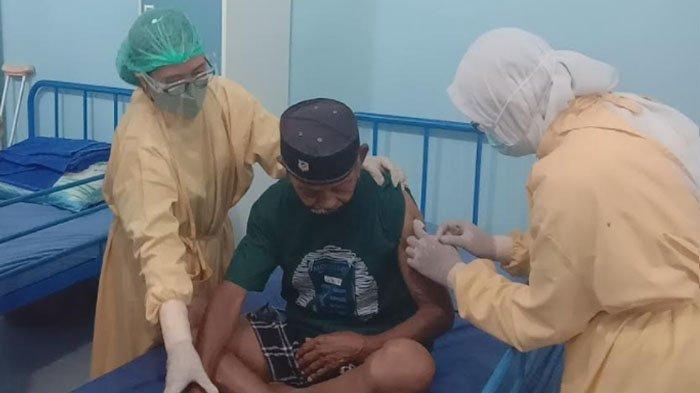Vaksinasi Covid-19 Door to Door di Kota Malang, Sasar Lansia di Panti Jompo