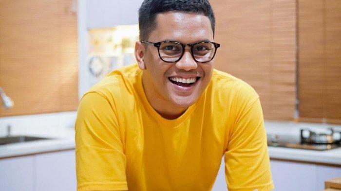 Kenalkan Tren Ikoy-ikoyan pada Netizen, Youtuber Arief Muhammad Bikin Heboh Media Sosial Instagram