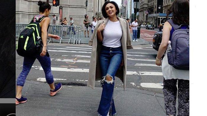 Penampilan Yuni Shara Nyanyi Lagu 'Di Rumah Saja' Pakai Ukulele Jadi Sorotan: Awet Muda