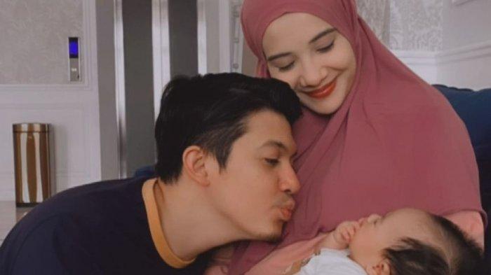 Ilustrasi - Zaskia Sungkar dan Irwansyah sebelum Ukkasya Muhammad Syahki lahir. Zaskia unggah momen jadi orangtua baru.