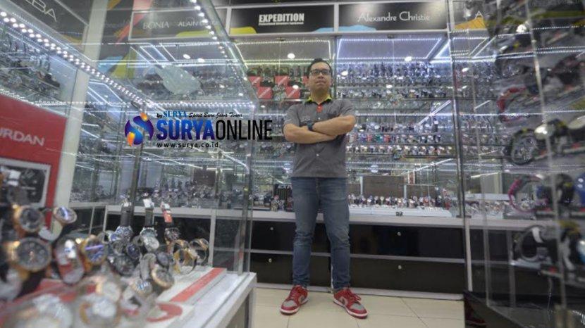lucky-chandra-loyal-watch-surabaya.jpg