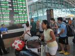 0808gunung-raung-bandara-ngurah-rai-bali_20150808_112226.jpg