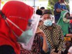 1000-warga-lansia-asal-sidoarjo-dari-sejumlah-kecamatan-vaksin.jpg