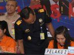 2-perempuan-ditangkap-di-bandara-juanda-saat-membawa-24-kg-sabu-sabu_20180403_162202.jpg