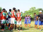 ahmad-rosyidin-jadi-pelatih-klub-milik-persebaya-surabaya-ps-kopa-di-liga-3-2021.jpg