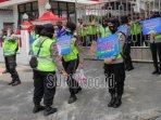 aksi-unjuk-rasa-di-depan-kantor-dprd-kota-blitar.jpg