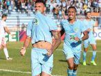 alex-dos-santos-striker-asing-persela.jpg