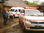 ambulans-antar-jasad-dua-warga-jember.jpg