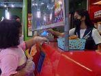 anak-anak-pengunjung-wahana-bermain-di-pusat-perbelanjaan.jpg