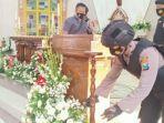 anggota-kepolisian-polres-tuban-melakukan-pengecekan-kemanan-di-sejumlah-gereja.jpg