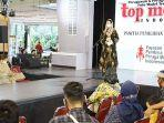 arumi-bachsin-di-acara-final-top-model-indonesia-jatim-2020.jpg