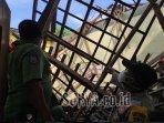 atap-bangunan-sdn-1-babadan-kabupaten-ponorogo-roboh-senin-2162021.jpg