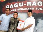 bakal-calon-walikota-surabaya-hariyantocak-har-saat-mendaftar-di-gerindra.jpg