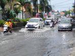 banjir-di-jalan-letjen-suprapto-waru-sidoarjo.jpg